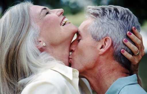 Intimate relationships contribute to improving the brain's work in the elderly